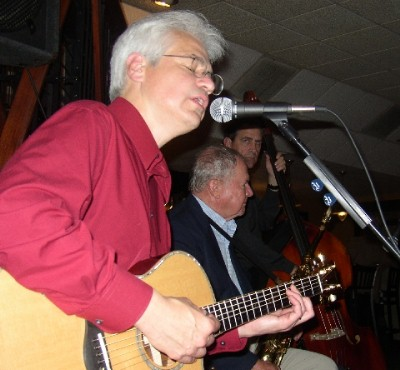 Jim sings at Cafe Rosso